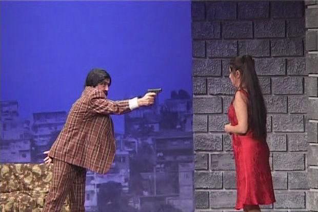 """""""Kadına yönelik şiddet"""" tiyatro sahnesinde..."""