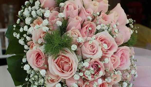 Pembe gelin çiçekleriyle fark yaratın