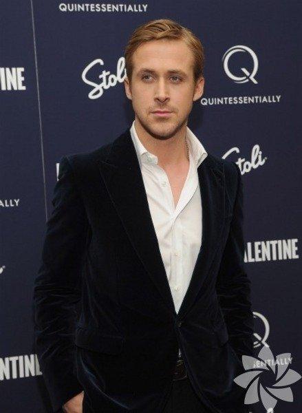 Asıl adı Ryan Thomas Gosling.