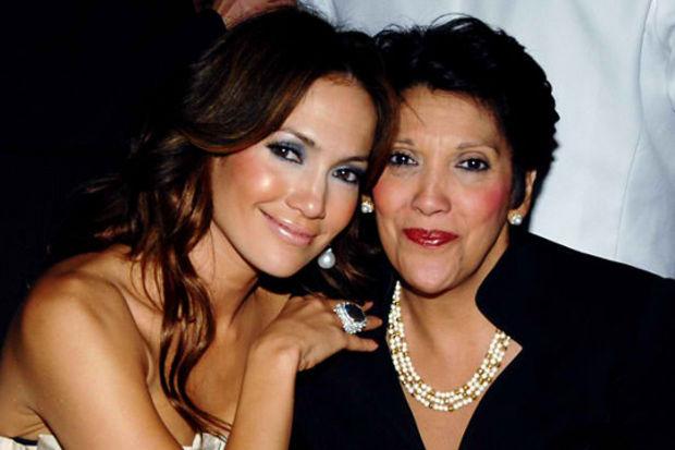 Jennifer Lopez'in annesi ve çocukları yeni ilişkisine karşı