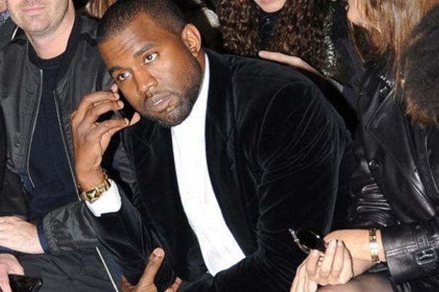 Kanye kesenin ağzını açtı, tebriği Hakan kaptı