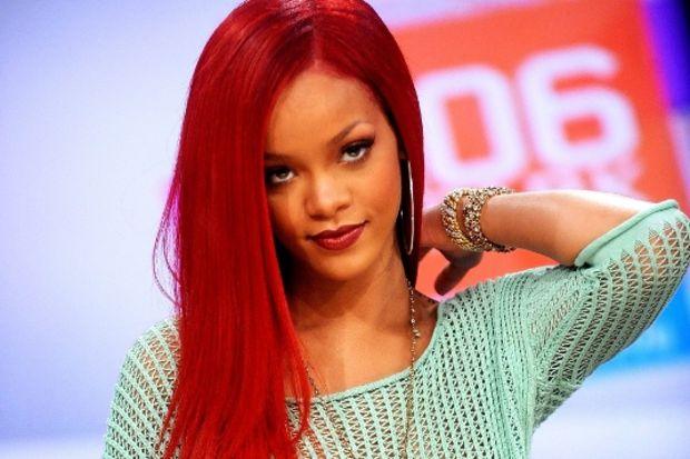 Rihanna: Seksapelimin kaynağı bukalemun gibi olmam
