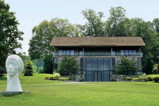 Connecticut'ta camdan yapılmış bir ev