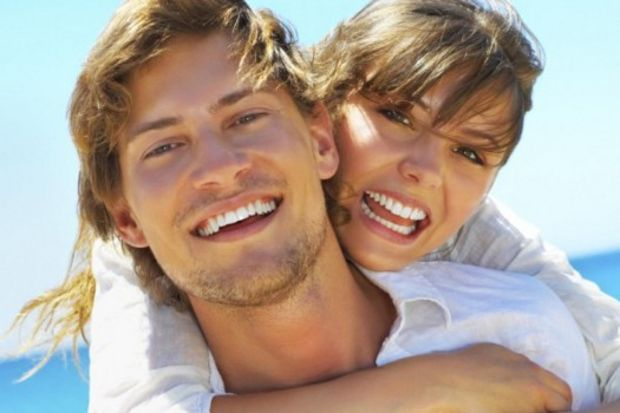Gingivektomi ve gingivoplasti iş birliği ile göz alıcı gülüşler…