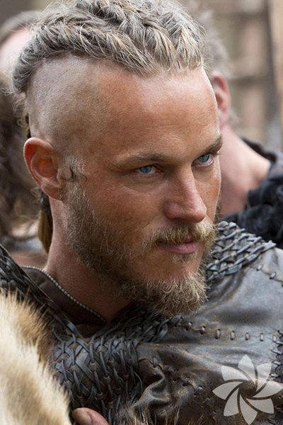 Yayınlandığı günden beri yoğun ilgiyle takip edilen Vikings dizisinden Travis Fimmel'le karşı karşıyayız.