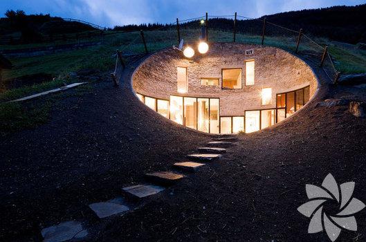 Fantastik, romantik ve sıradışı yeraltı evleri