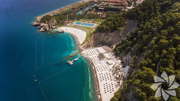 Antalya – Kemer - Maxx Royal Kemer Resort Mart ayında denize girmek Antalya'da hayal değil! Ama balayınızı hasta geçirme ihtimaliniz de yok değil... Balayı denizsiz, havuzsuz, güneşsiz olmaz diyen çiftler için Antalya – Kemer...