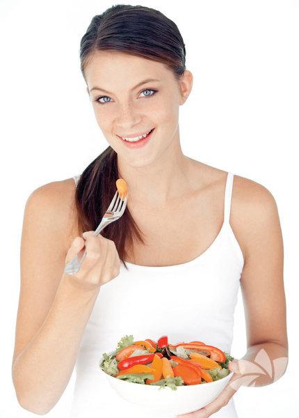 Evet bakımlı olmak ve güneşten korunmak, cilt sağlığı için çok önemli ama iyi beslenmeden olmaz. Pırıl pırıl bir cilde sahip olmanın yolu, mideden geçiyor. İşte sofralardan eksik edilmemesi gereken cilt dostu gıdalar... Haber: Sema Ereren