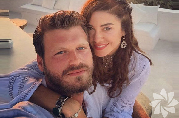 Kıvanç Tatlıtuğ ile Başak Dizer 19 Şubat'ta Paris'te nikah kıyacaklar ancak Kıvanç Tatlıtuğ'un annesi rahatsızlığı nedeni ile nikaha katılamayacak.