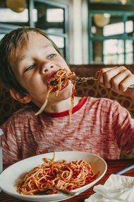Küçük çocuklarla restorana gitmenin 10 kuralı