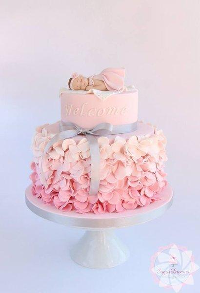Bir yaş doğum günü pastaları