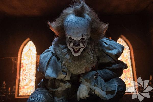 Dünyanın en çok okunanları arasında yer alan Stephen King'in 'O' (It) romanı yeniden sinemaya uyarlandı.