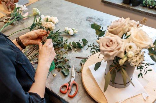 Yapay çiçekleri değerlendiriyoruz